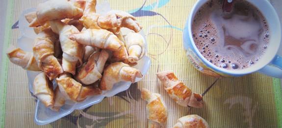 Pyragėliai su šokoladiniu kremu